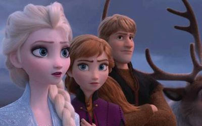 Idina Menzel & Jonathan Groff Tease What's Coming For Elsa, Anna & Kristoff In Frozen 2