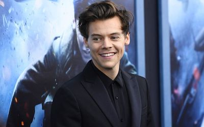 Harry Styles 'Dunkirk' Look Is Back and Fans Are Already Going Crazy!