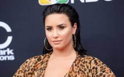 Demi Lovato Admits To Love Smoking Weed