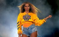 Fans Go Wild For Beyonce's New Hair Reveal On Instagram