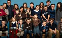 '19 Kids and Counting' Fans Slam The Duggars For Inappropriately Dressing Their Kids On A Hike