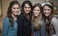 Fans Lash Out at the Duggar Women for Not Wearing Masks in Public