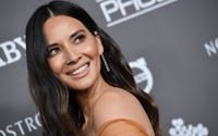 Actress Olivia Munn Teased a Pilot on Social Media For Being Too Afraid to Ask For a Selfie