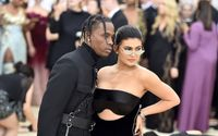 Kylie Jenner Showed Off her Full Support For her Hubby Travis Scott at his Biggest Concert