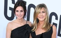 Courteney Cox's Surprising Gift To Jennifer Aniston For Her Birthday