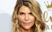 Following New Charge Lori Loughlin Potentially Facing 40 YEARS In Prison!