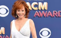 Kacey Musgraves Slammed For Not Standing During Reba McEntire's Performance