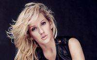 Ellie Goulding Wows Her Fans In Strapless Bikini